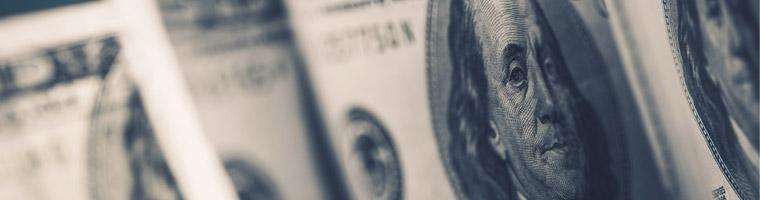 Fed w centrum uwagi, dolar na rozdrożu