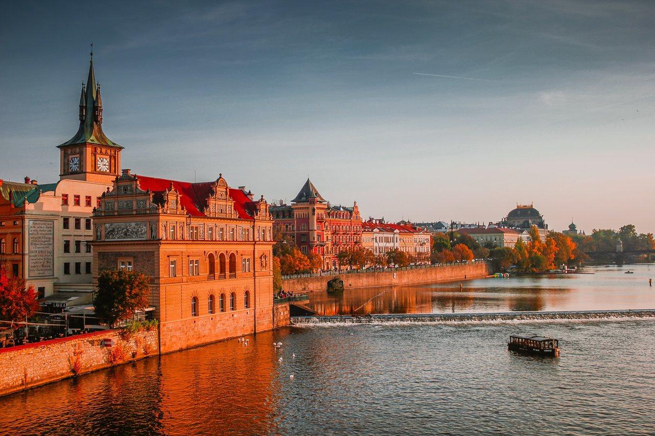 EUR/CZK: podwyżka stóp w Czechach