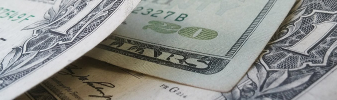 USD: lekkie umocnienie po wypowiedzi wiceprezesa Fed