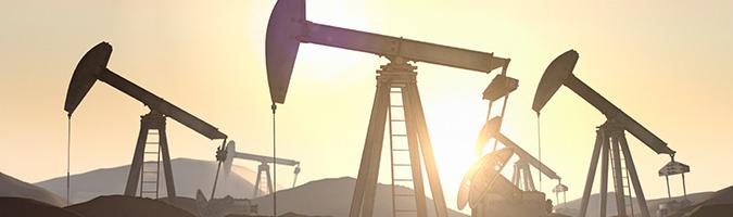 Wzrost zapasów ropy w USA dziesiąty tydzień z rzędu